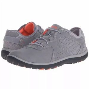 CLARKS Aria Lace Gray Leather Walking Shoe-NWB
